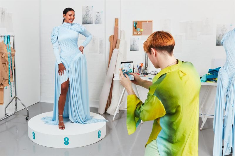 5G-Powered Dresses