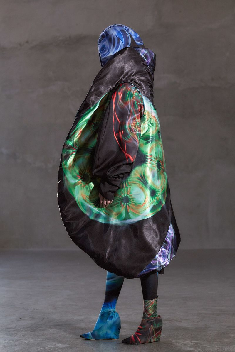 Acoustically Inspired Chromatic Fashion