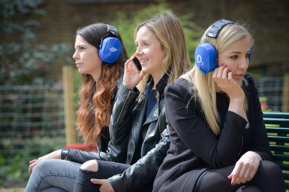 Spoiler-Blocking Headphones