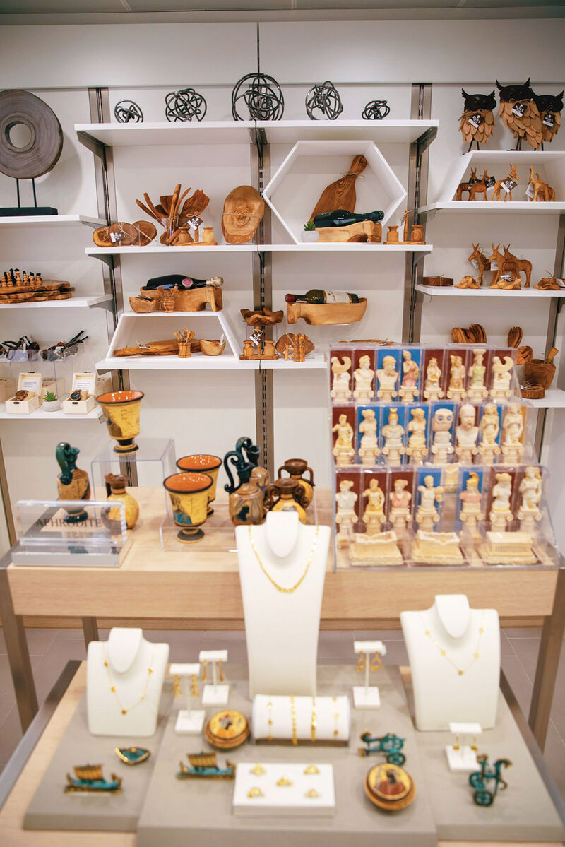 Locally-Sourced Cruise Retail Concepts
