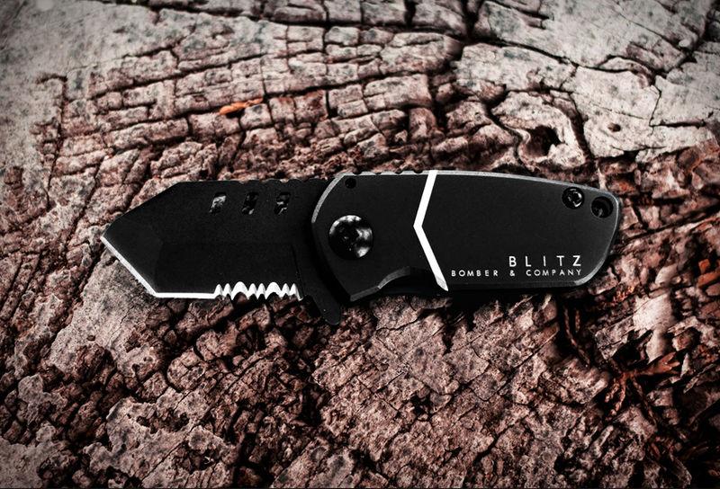 Aircraft-Inspired Pocket Knives