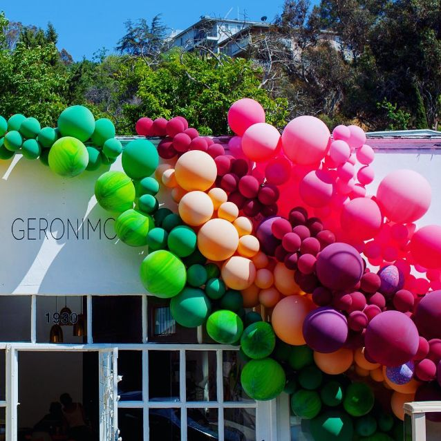 Pop-Up Balloon Decor