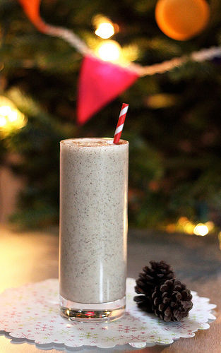 Healthy Eggnog Smoothies