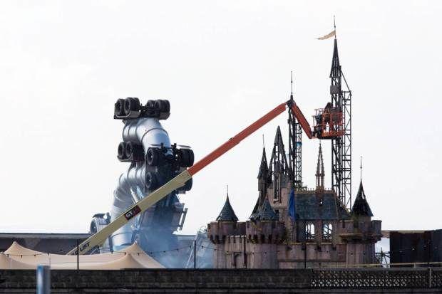 Dystopian Theme Parks