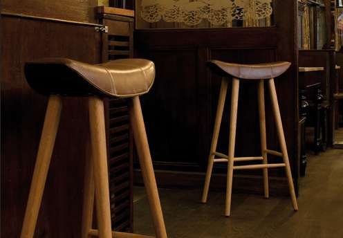 Straddling Saloon Seats Bar Stool Design