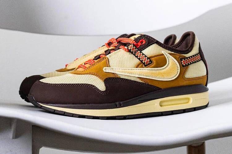 Rapper-Collab Mesh Layering Sneakers