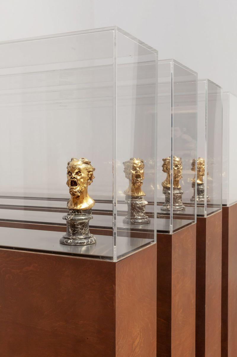 Recyclable Baroque Displays