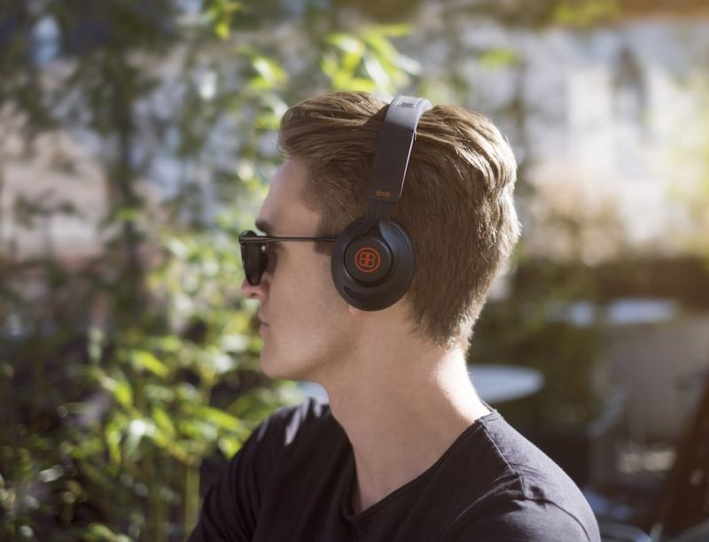 Customizable Performance Headphones