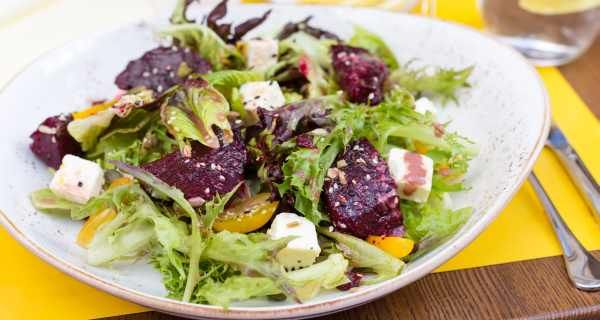 Beetroot Spinach Salads