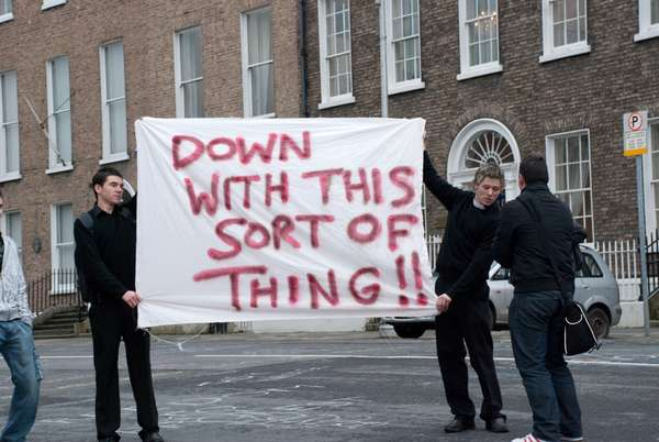 humorous demonstrations the best protest signs of 2009