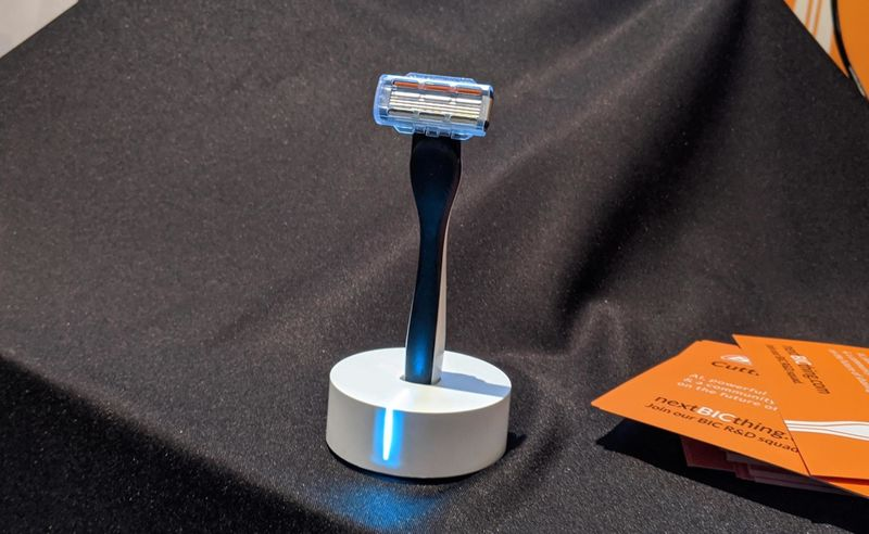 AI-Enabled Face Razors