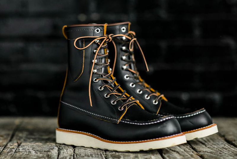 Knife Sheath-Equipped Boots