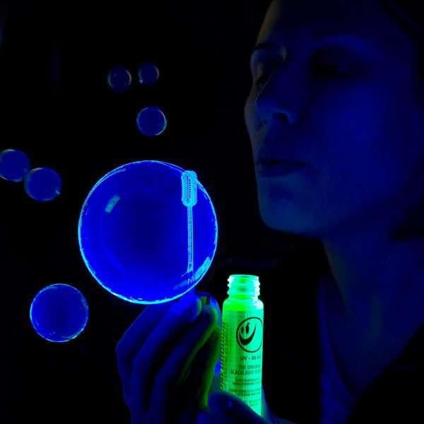 Illuminating Black Light Bubbles