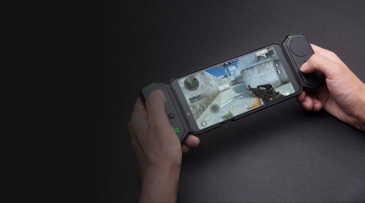 Detachable Controller Smartphones