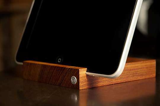 Nature-Inspired Tablet Docks