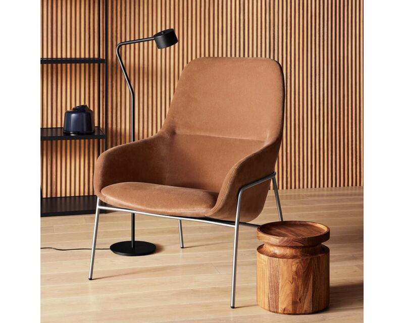 Lumbar-Supporting Lounge Chairs