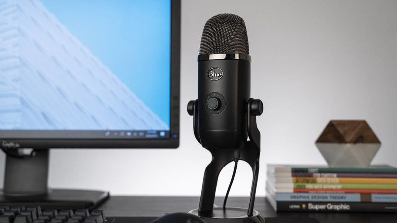 Real-Time LED Feedback Microphones