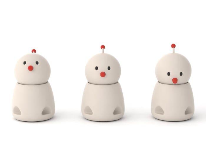 Emotional Family Communication Robots