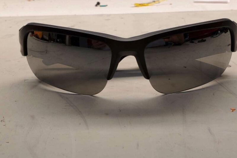 Speaker-Integrated Sunglasses