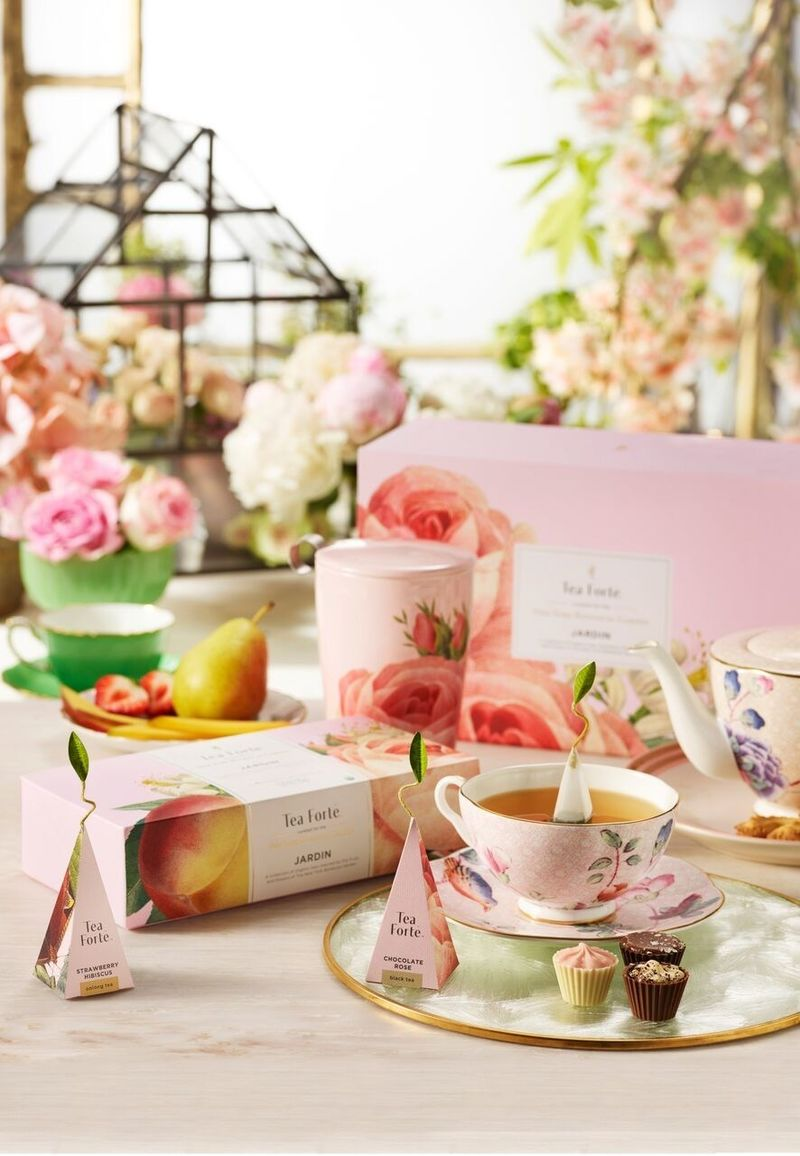 Collaborative Botanical Teas