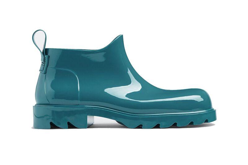 Rubberized High-Fashion Rainboots