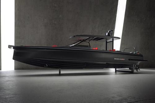 Black-Themed Limited Edition Speedboats