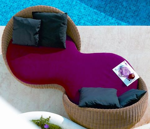 Romantic Peanut-Shaped Loungers