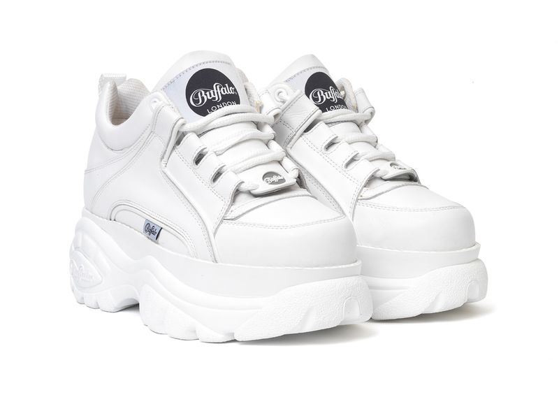 Chunky 90s-Inspired Sneakers