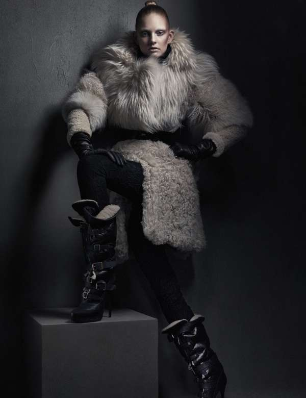 Oversized Fur Pictorials