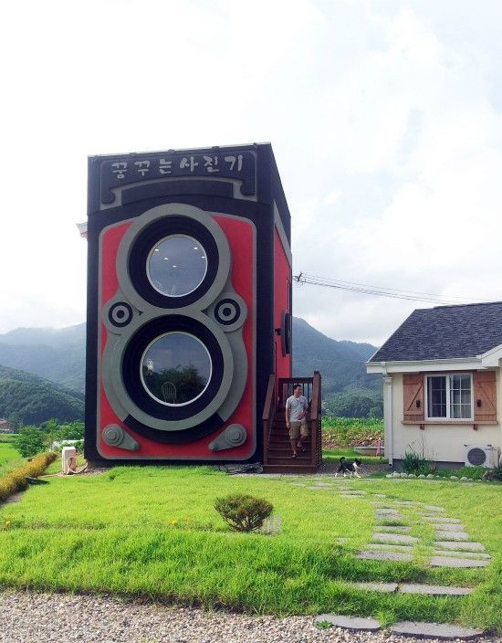 Giant Camera-Shaped Coffee Shops