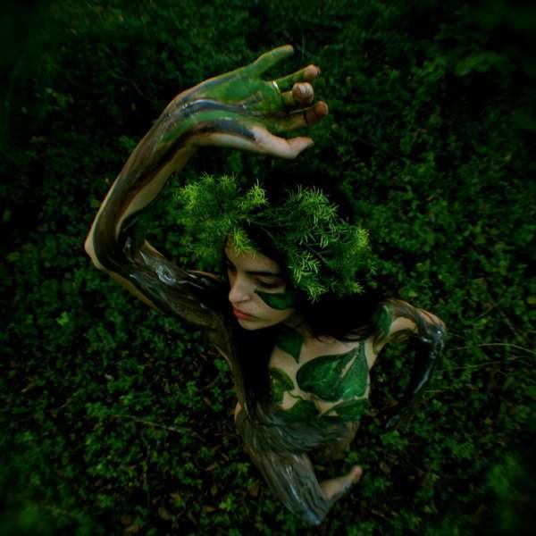 Nature-Inspired Body Painting