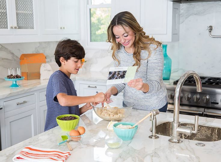 Family-Friendly Baking Kits