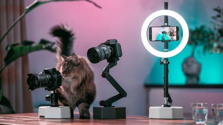 AI-Powered Camera Mounts