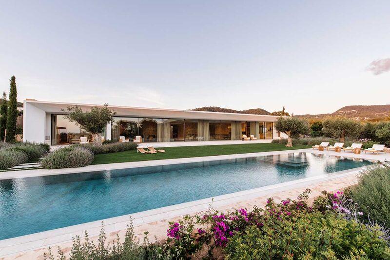 Luxurious Modernist Ecological Villas