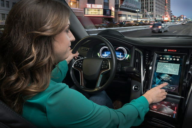 Interconnected Smart Vehicle Displays