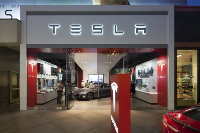 Electric Car Retail Displays