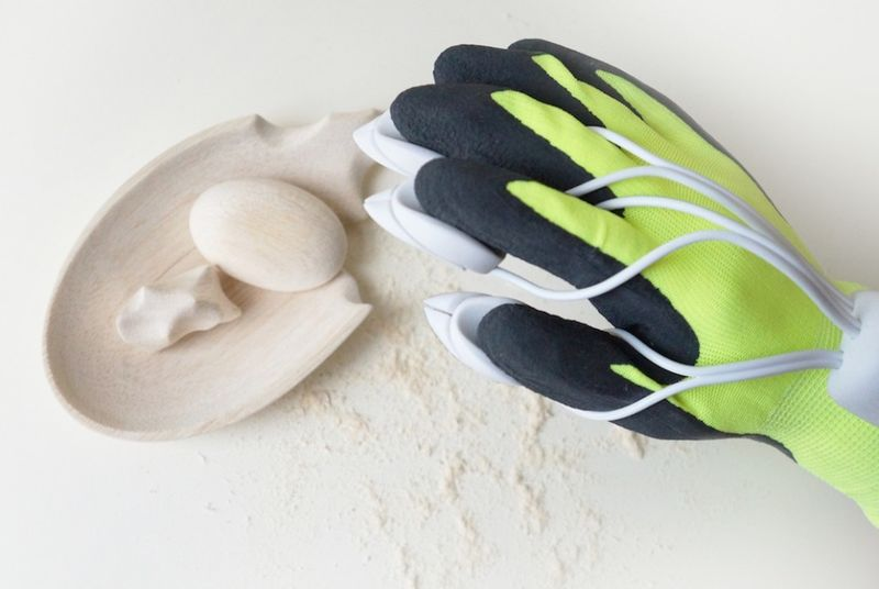 Bionic Sculpting Gloves