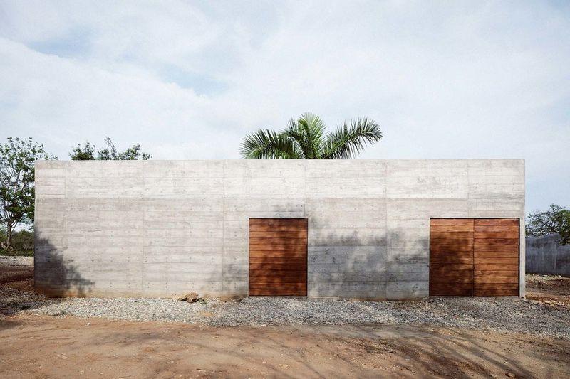 Harsh Concrete House Designs