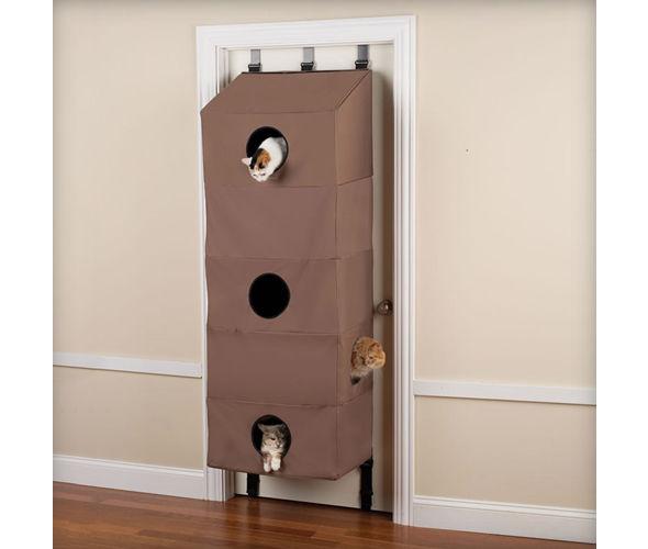Door-Hanging Feline Abodes