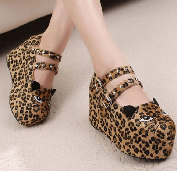 Cat-Shaped Shoes