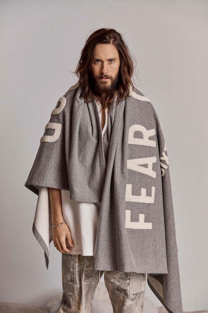 Neutral Celebrity-Headed Fashion Editorials