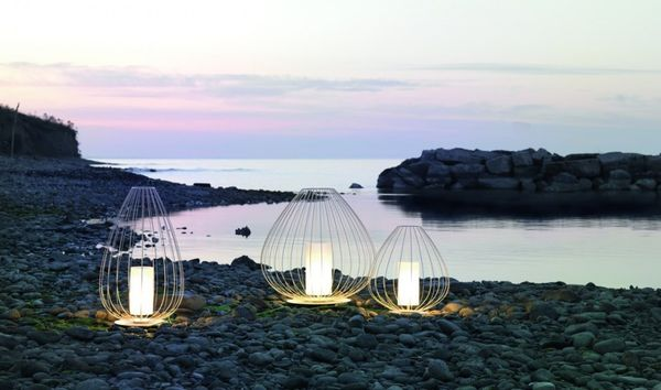 Elegant Wireframe Outdoor Lamps