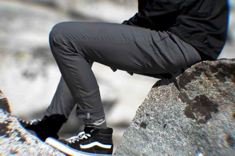 Temperature-Regulating Travel Pants