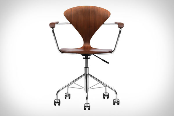 Slim-Waisted Office Seats