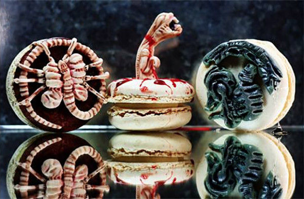 Chest-Bursting Alien Macarons