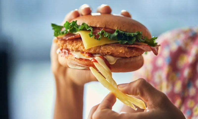 Cheesy Chicken Parm Burgers