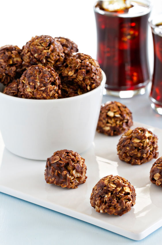 Chocolate Granola Bites