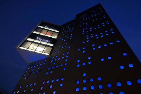 Braille-Inspired Buildings