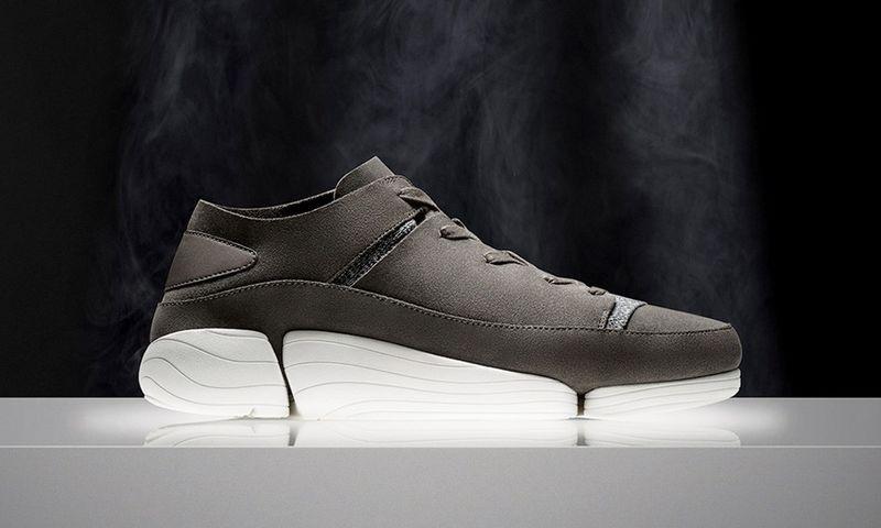 ce02985de Skull-Emblazoned Custom Sneakers : Warren Lotas sneakers