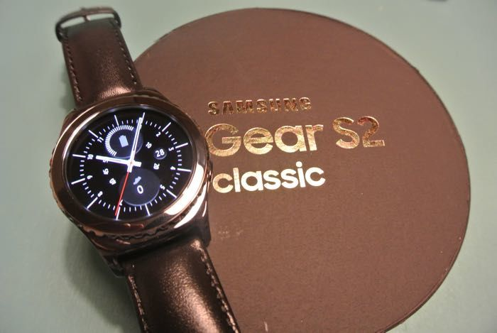 Timelessly Classic Smartwatches